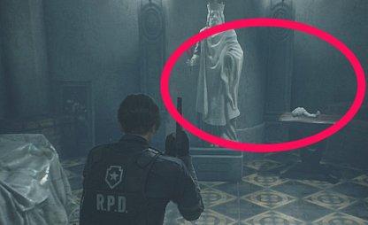 Resident Evil 2 Leon statue art room